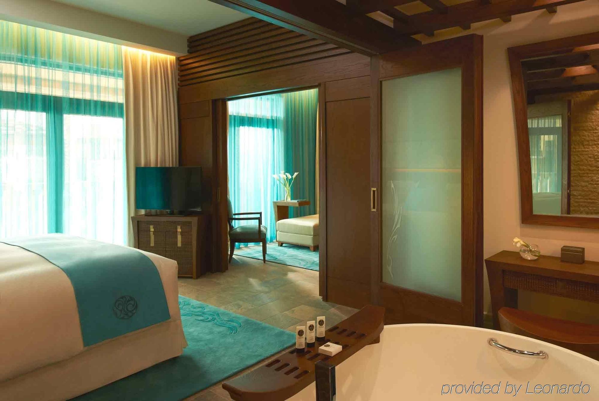 Sofitel dubai the palm resort spa dubai for Best spa hotel dubai